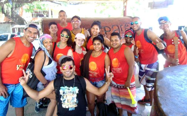 Participantes del V Festival de la Voz visitan el pueblo de Chuspa