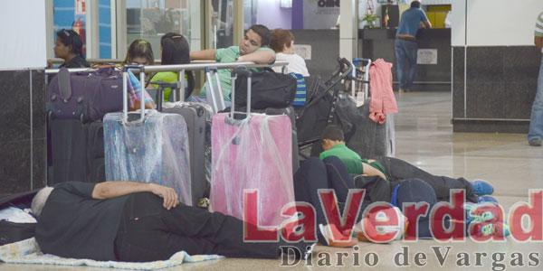 Listas de espera generan caos en Aeropuerto de Maiquetía