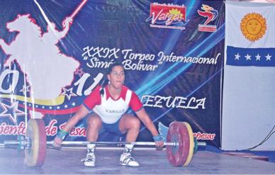 Vargas logró ocho medallas en Internacional de Pesas