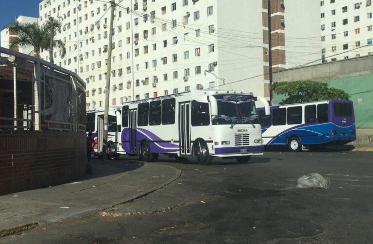 Desaparecen los buses de la Caracas-La Guaira durante la radicalización