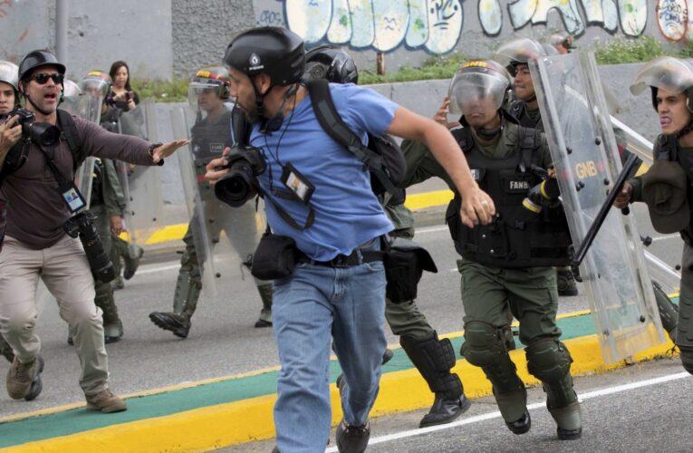 SIP: Maduro usa la ley del odio para amordazar a la prensa