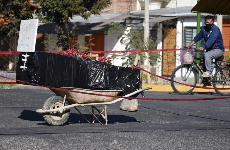 Decenas de cadáveres en las calles bolivianas al dispararse el Covid