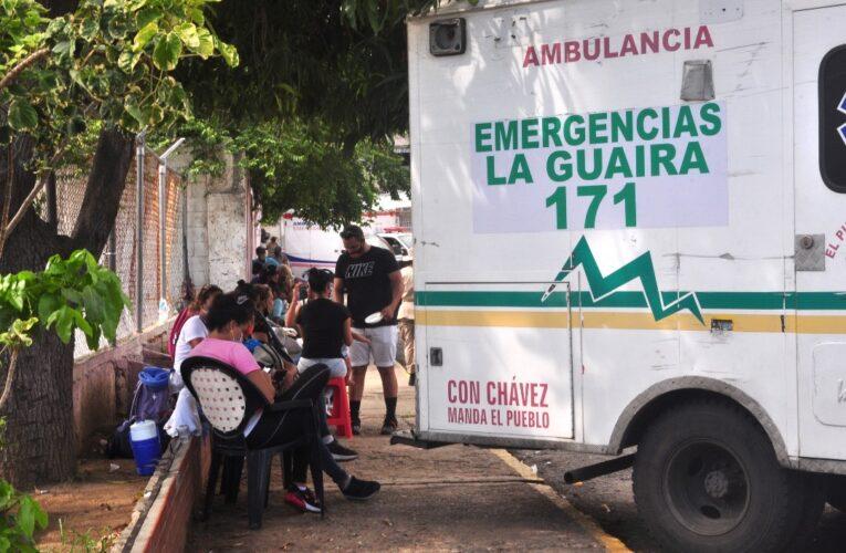 Techo y sillas para las afueras del Periférico piden familiares de pacientes