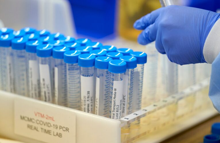 EEUU alcanza récord de un millón de pruebas en un día