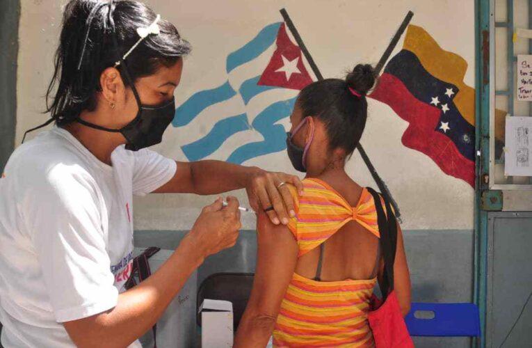 Inmunizan a 70 pacientes en el CDI de La Páez