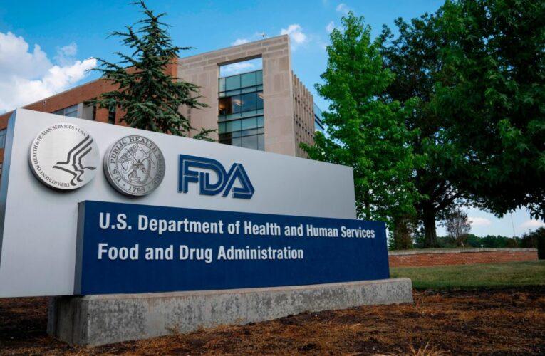 FDA espera aplicar vacuna de emergencia este año