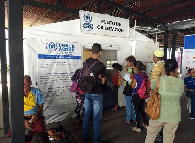 Al menos 300 mil venezolanos migraron a pie y con las fronteras cerradas