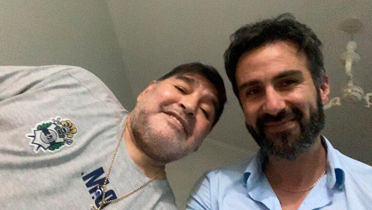Allanan consultorio y casa del médico de Maradona