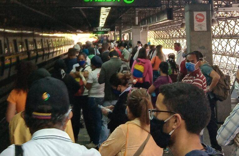 Metro de Caracas inició flexibilización con fuerte retraso