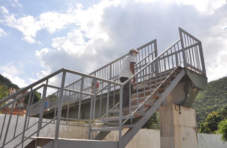 En Marapa El Piache exigen finiquitar la reparación de la pasarela