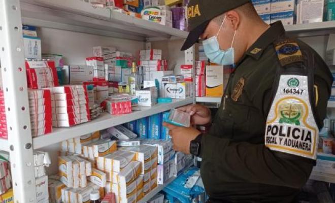 Incautan en Colombia fármacos vencidos que serían vendidos a venezolanos