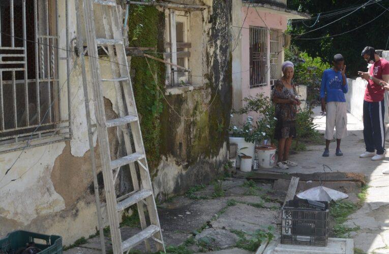 Filtraciones acaban con una casa en La Veguita