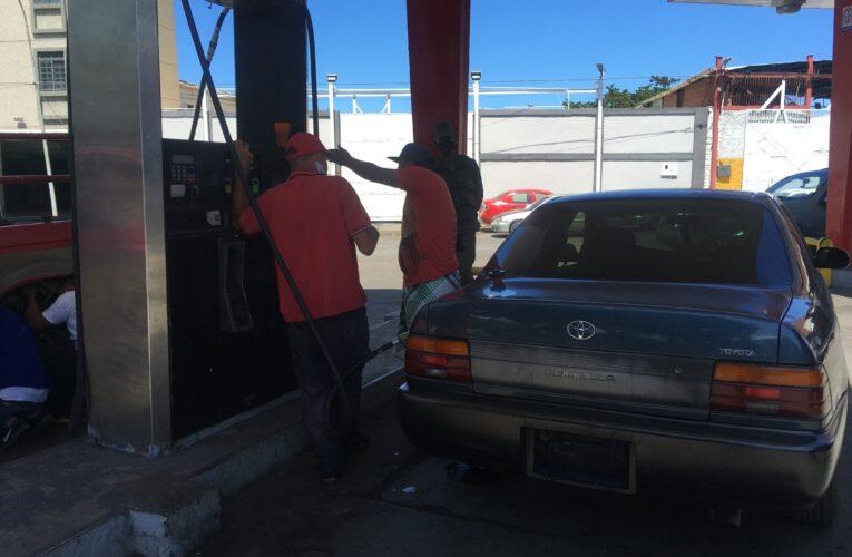 Bomba de Puerto Viejo abastece 250 vehículos diarios