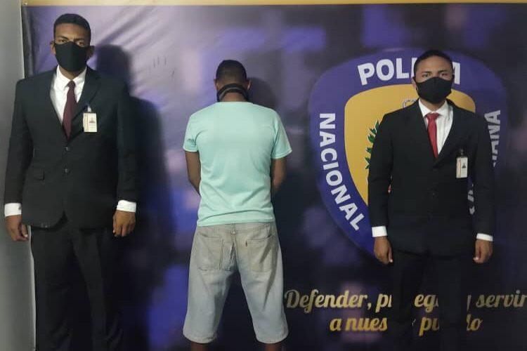 Capturan a dos hombres por violencia de género