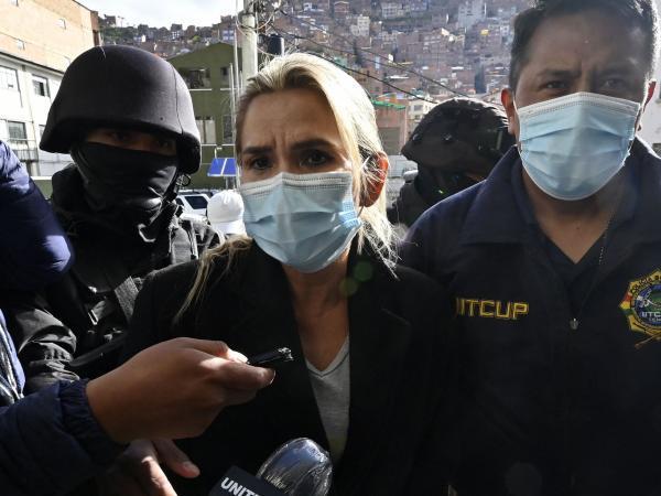 Dictan 4 meses de prisión preventiva para expresidenta Áñez