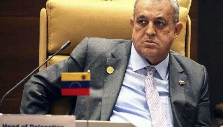 A juicio oral Eulogio del Pino por caso de Petrozamora
