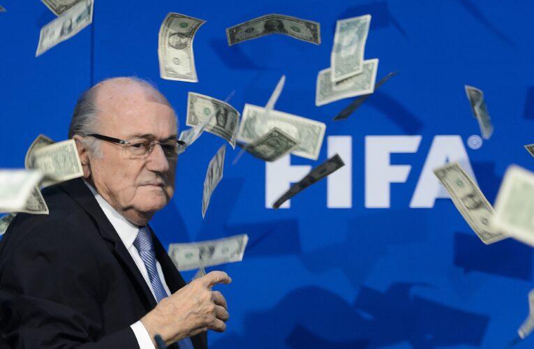 FIFA vuelve a suspender a Blatter por corrupción