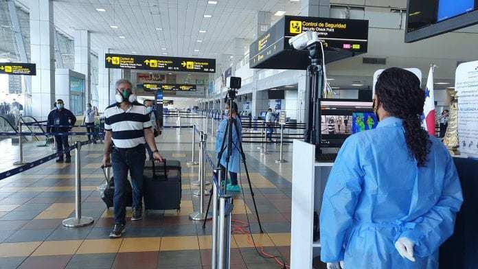 Panamá suspende ingreso de pasajeros de Suramérica por variante brasileña