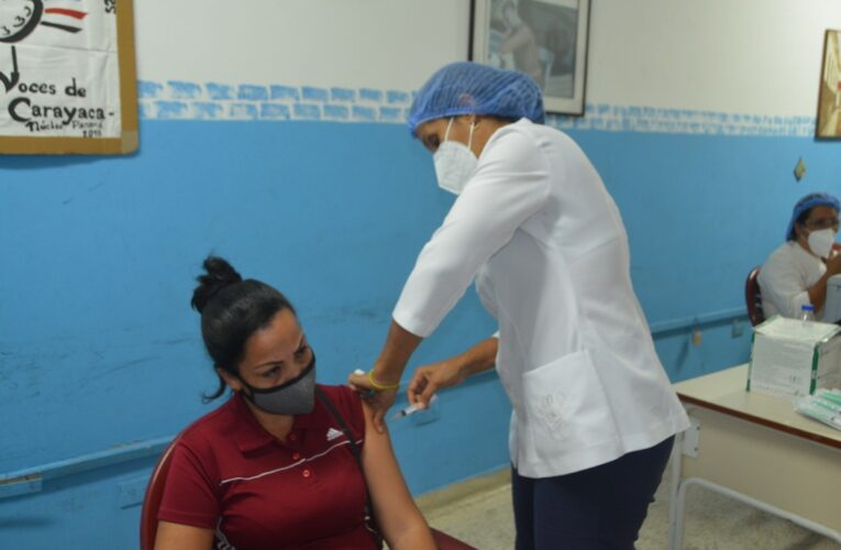 Arrancó la vacunación de docentes en la Panamá
