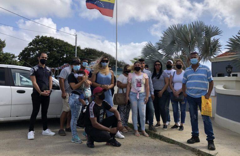 Más de 140 venezolanos varados en Aruba