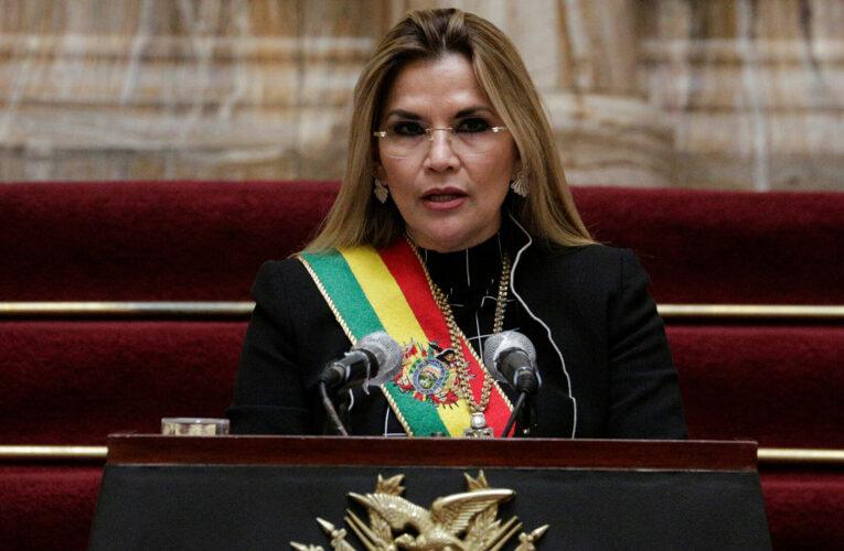 Fiscalía de Bolivia pide seis meses de prisión preventiva para Áñez