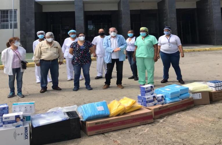 Médicos Unidos llevan material de protección al Seguro