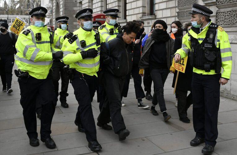 107 arrestados en protesta contra reforma anticovid en Londres