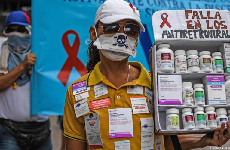 Pacientes con SIDA piden vacunación urgente contra covid-19