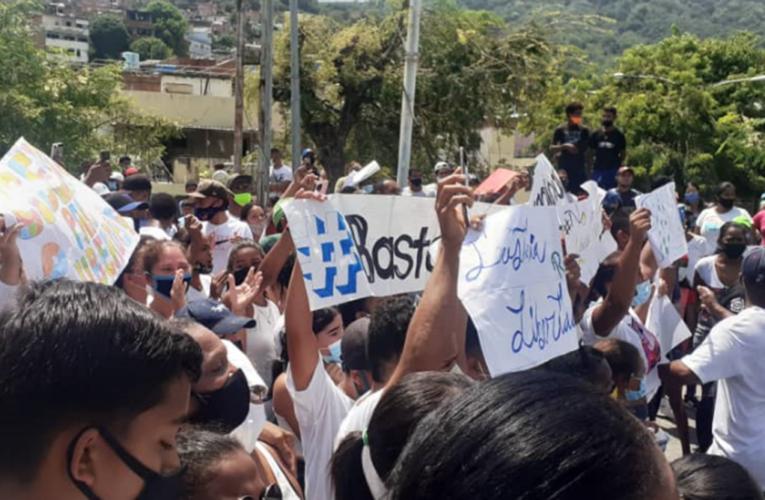 Protestan en Naiguatá para exigir liberación de joven