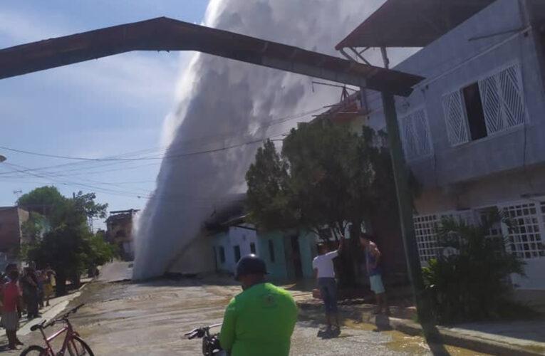Se reventó tubo matriz en Santa Teresa del Tuy