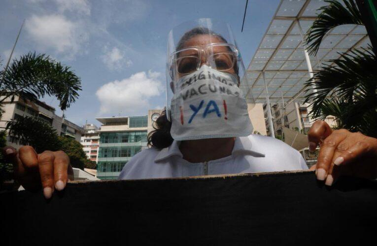 Trabajadores de la salud exigieron vacunas