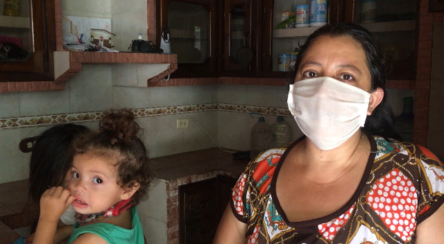 Desalojan de la casa comunal de Cotoperí a viuda con 3 menores