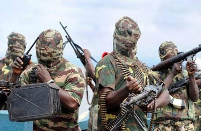 Más de 1.800 presos escapan en Nigeria tras ataque armado