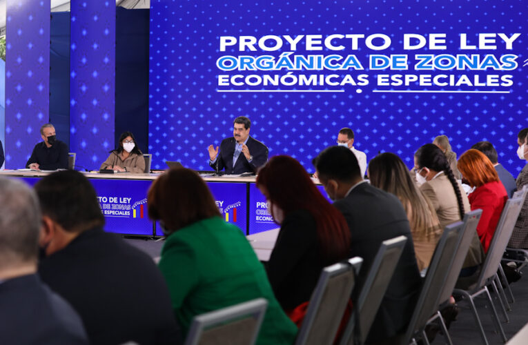 Maduro insiste en que se levanten las sanciones para dialogar
