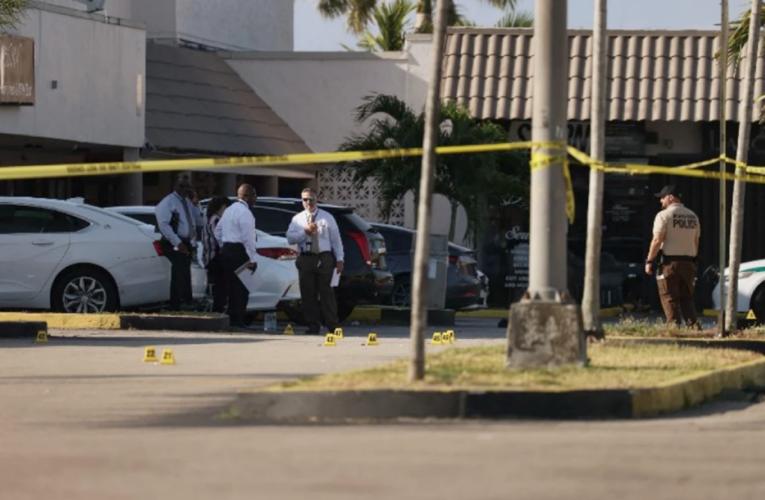 2 muertos y 20 heridos deja tiroteo en Miami