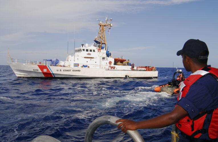 Rescataron 8 balseros de 20 que naufragaron llegando a Florida