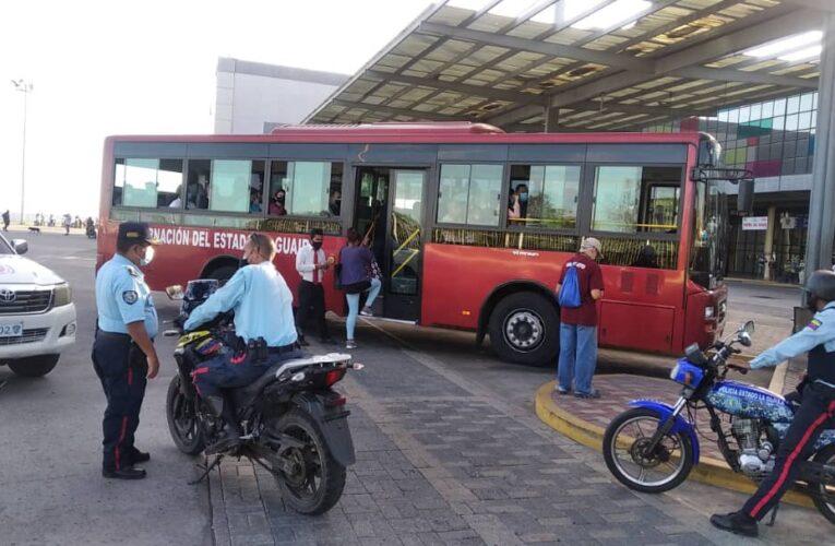 Trans La Guaira cubrió la ruta hasta Caracas en medio del paro