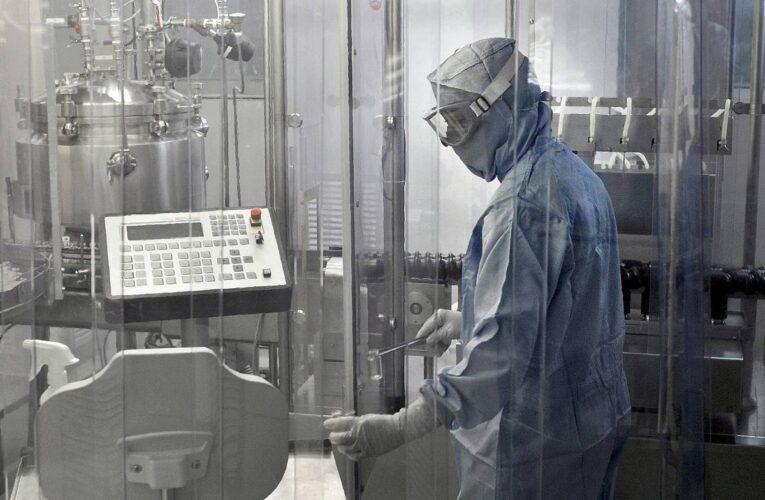 EMA evalúa uso de vacuna Pfizer en adolescentes