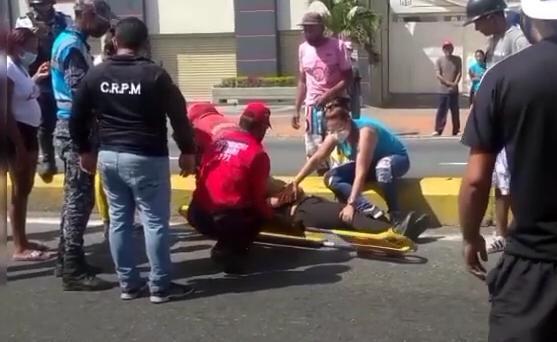 Lo arrolló un motorizado por no usar la pasarela en La Lucha
