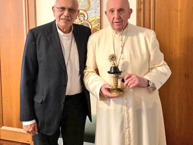 Porras entregó al Papa reliquia de José Gregorio
