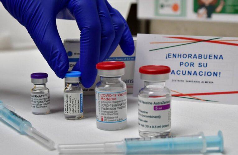 Canadá mezclará dosis de Pfizer y AstraZeneca