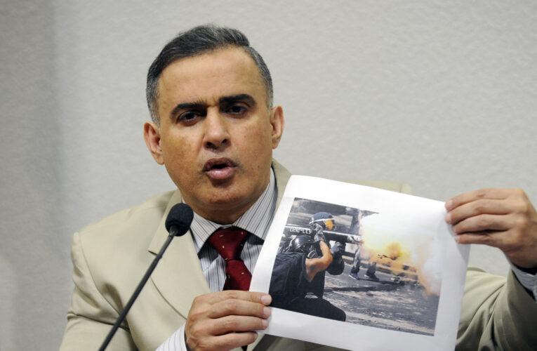 Saab culpa a las redes de imagen negativa del gobierno en DDHH