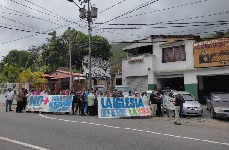 Con pancartazo exigen libertad de activistas de Fundaredes
