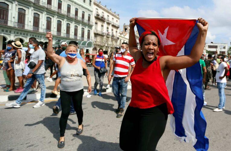 Bloquean las redes sociales en Cuba