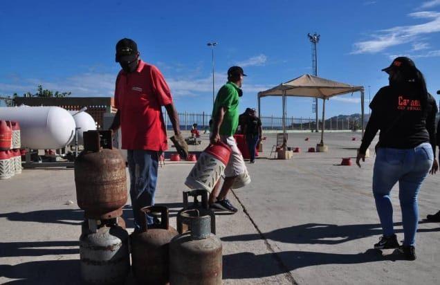 Distribuyen más de 2.000 cilindros de gas en La Guaira