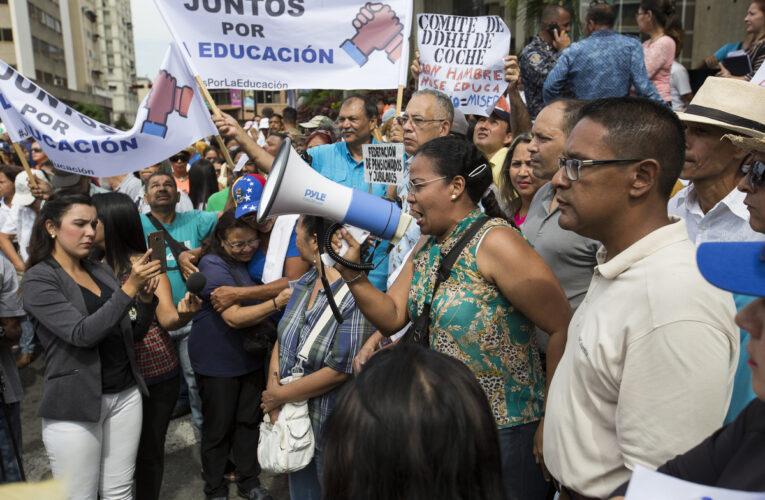 Dirigentes sindicales y docentes del DC rechazan acuerdos de las federaciones