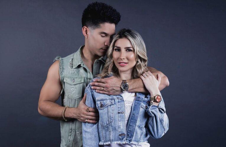 Chyno Miranda y Natasha Araos siguen juntos