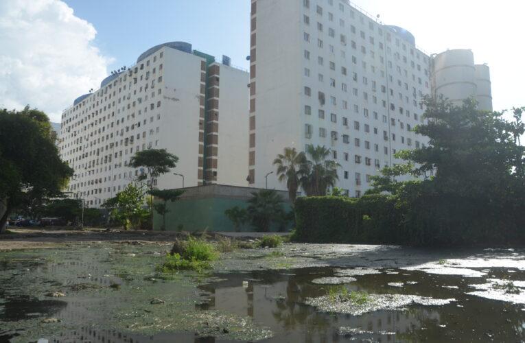 Residentes de la Opppe 26 piden el fin de las aguas negras en Cari Cari