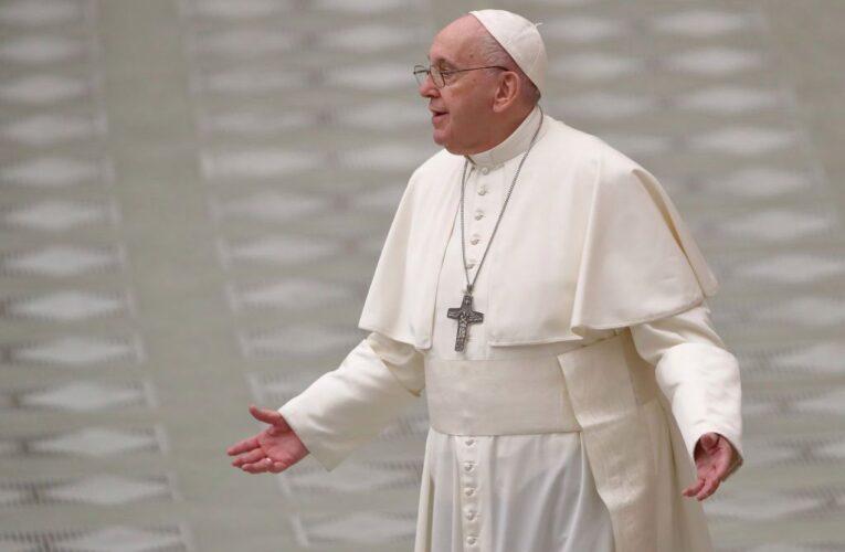 Operarán del colon al Papa