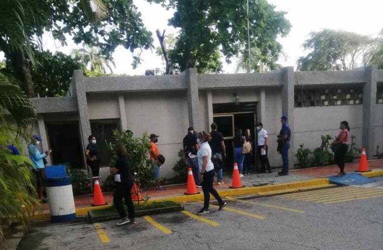 Trabajadores del Club Puerto Azul denuncian violación de la LOTTT
